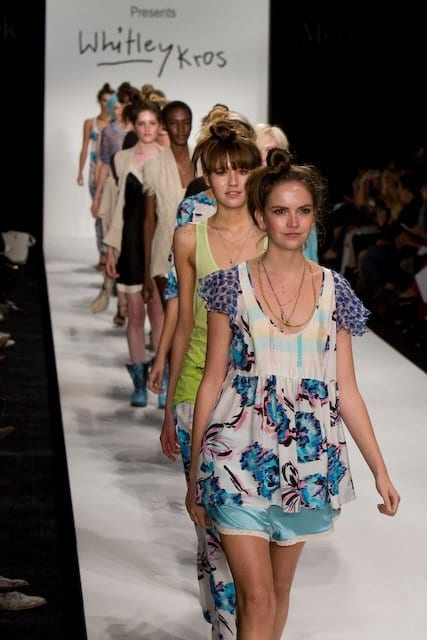 Fashion Week LA Spring 2009 - Photos by Peter Tsai courtesy of cupcakeMAG
