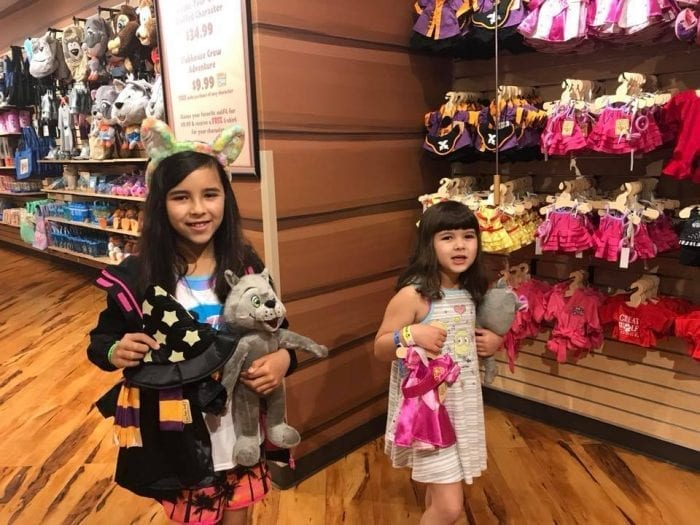 Build your very own wolf stuffed animal at Great Wolf Kids!