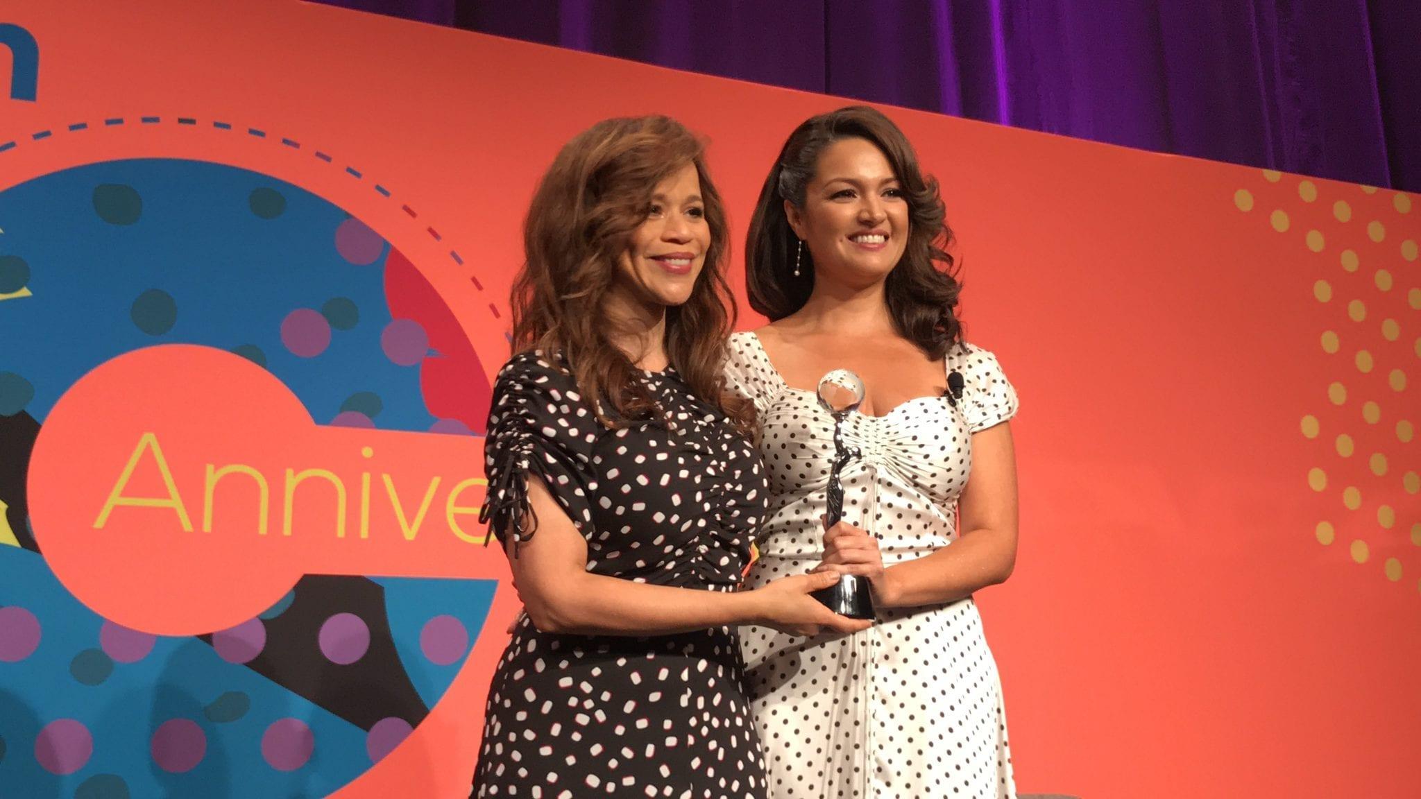 Rosie Perez Accepting her Latinavator Award.